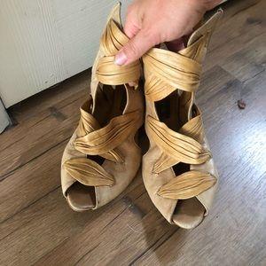 Vero cuoio sandals Anthropologie sz 8.5 lace up